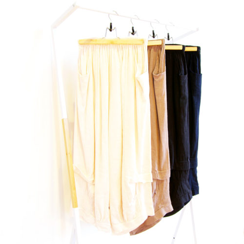 Our Bella Linen Pants. Shown here in 100% pure Linen. With an elastic waist, lovely pleated leg detail as well as, comfy pockets. Available in 6 fabulous colours. Blush Pink, Pale Blue, Mocha, Navy, White & Black. As well as, a free size relaxed fit for ladies' 10 to 16. In short, they're the perfect self-indulgent purchase to add to your wardrobe. Or as a gift for someone extra special.