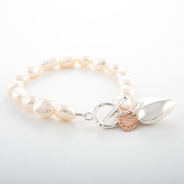 Freshwater Pearl Bracelet with Small Hearts