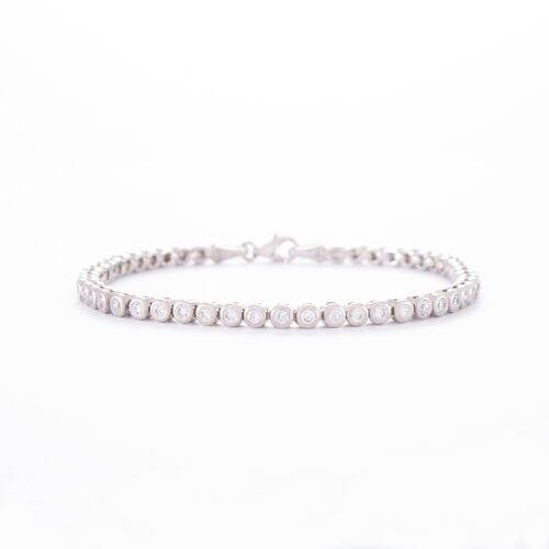 Our 2mm Sterling Silver Cubic Zirconia Tenis Bracelet. Shown here, with multiple sparkling round CZ, as well as a 925 sterling finish. In short, this is an amazing timeless, and classic piece. The perfect addition to your personal jewellery collection. Or as a gift for that extra special someone.