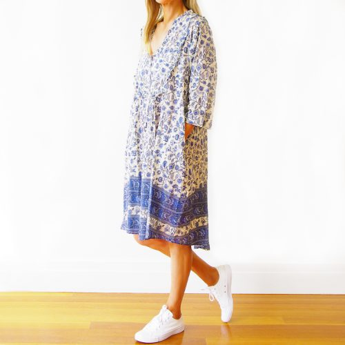 Our Stella Sushi Voile Dress. Screen printed in a stunningly soft and comfortable voile. Based in off-white, with a beautiful blue floral print as well as a gorgeous hem detail and comfy pockets. It's an absolute stunner for this summer. Furthermore, our Stella offers a free size relaxed fit for ladies' 10 to 16. In short, it's the ideal self-indulgent addition to your wardrobe. Or as the perfect gift for someone special.